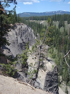 Pinnacles near Crater Lake